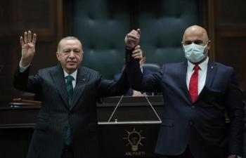 Belediye Başkanı Türkan Ak Partiye geçti