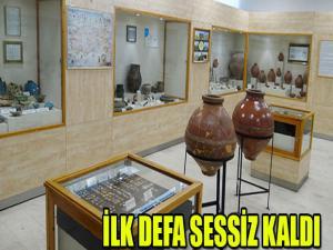 İLK DEFA SESSİZ KALDI