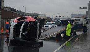 Başakşehir'de midibüs devrildi: 1 ölü, 16 yaralı