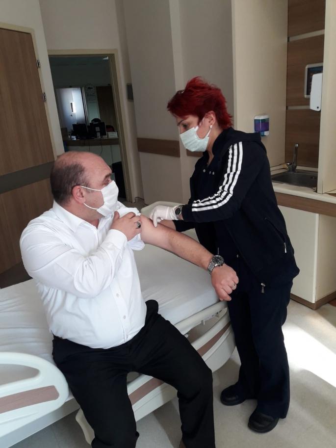 Harakani Hastanesinde CoronaVac aşısı