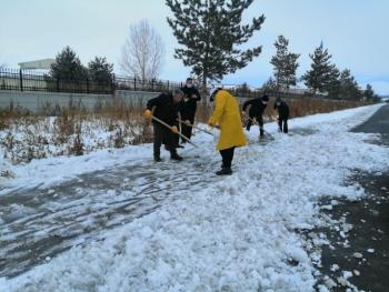 Kars Belediyesi karla mücadeleye devam ediyor