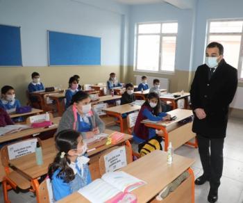Vali Öksüz Okullar Öğrencileriyle Güzel