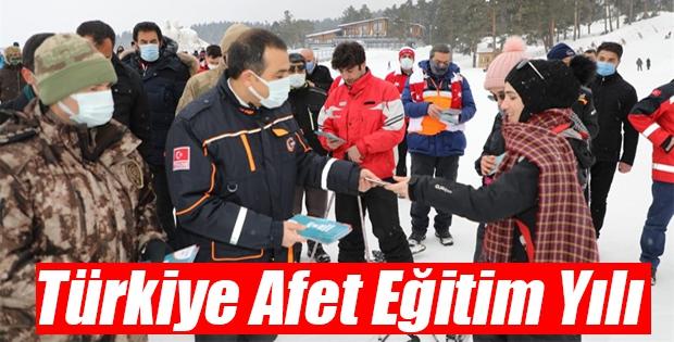 Kars'ta Türkiye Afet Eğitim Yılı Programı Düzenlendi