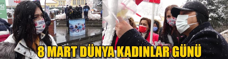 Kars'ta 8 Mart Kadınlar günü kutlandı